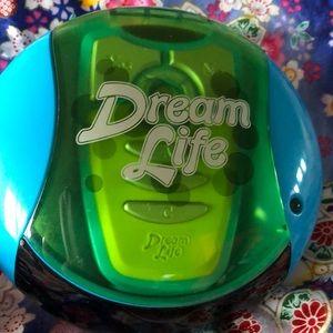 DREAM LIFE game